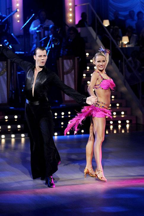 alexandra skal vi danse nakenbilder av linni meister