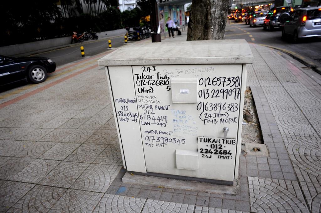 lokale bilverksteder som skriver opp nummerene sine...?