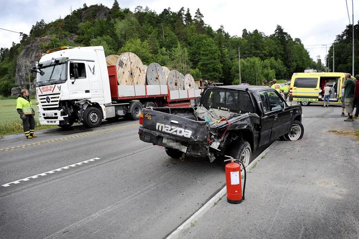 Samme ulykke som i bildet over. Heldigvis ingen alvorlige personskader.