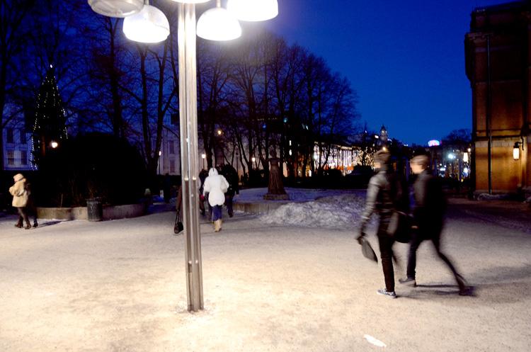 Oslo 12.01.2013. Ved Nationaltheateret t-banestasjon.  FOTO: JOAKIM S. ENGER